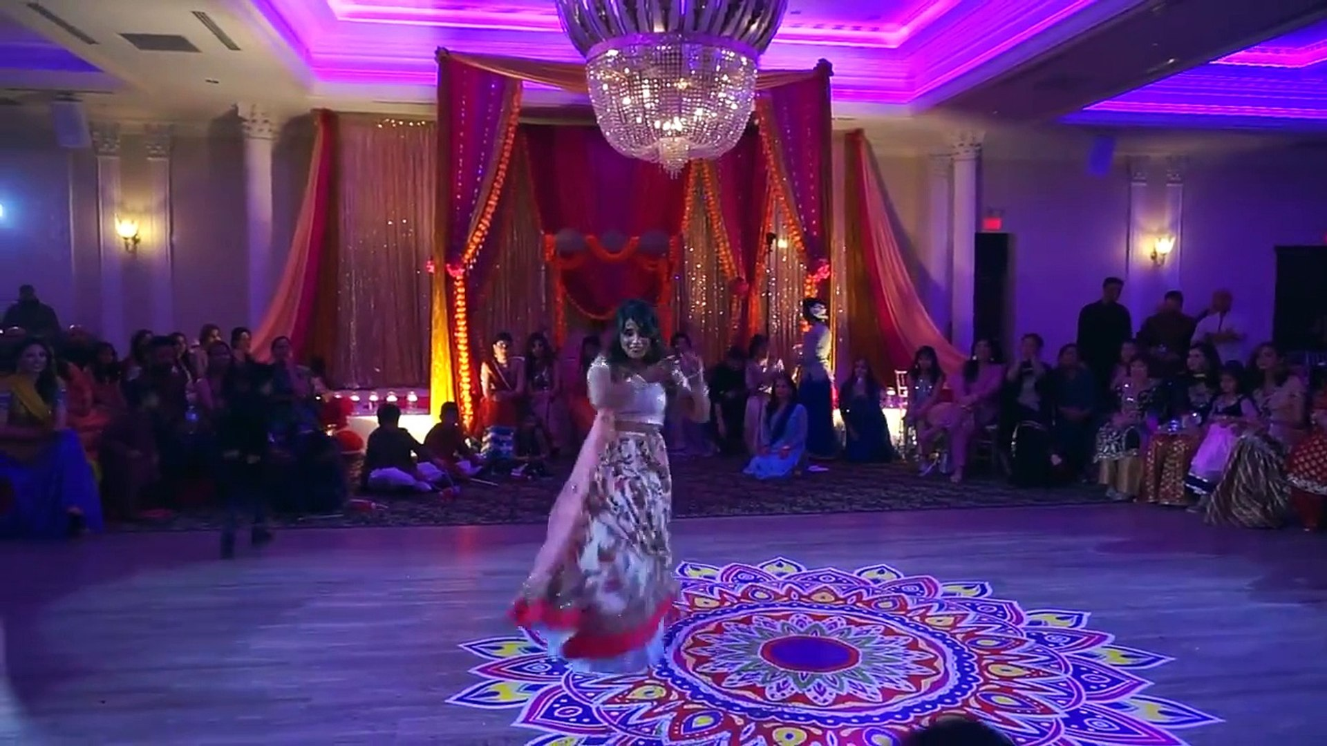 Beautiful Mehndi dance Beautiful Girl   Punjabi Wedding Dance Songs