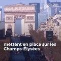 Les bikers fans de Johnny Hallyday se mettent en place sur les Champs-Élysées