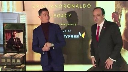 Après cinq ballons d'or, Cristiano Ronaldo reste modeste... ou pas
