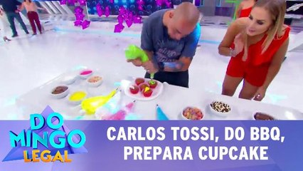 Carlos Tossi, do BBQ, prepara cupcake