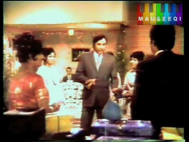 Kitnay Nadan Hain Aaj Kal - Ahmed Rushdi - Film Parchhayen