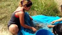 Two Beautiful girls fishing at Cambodia - Khmer Beautiful girls fishing