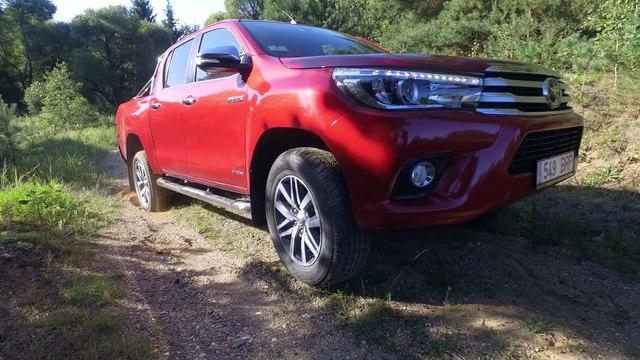 2017 Toyota Hilux Off road.