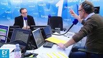 """Affiche polémique à Béziers : """"On essaye juste de faire de l'humour"""", répond Ménard"""
