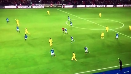 Vidéo : le gardien de Strasbourg donne le but au PSG !
