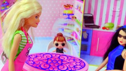 Restaurant Night ! Barbie Works For Chef   LOL Surprise Baby Doll - Toy Video-vZoyv9HVvBI