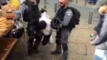 İsrail Zulmü: Bacağı Kırık Genci Böyle Götürdüler!