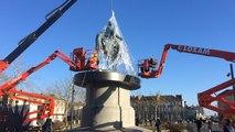 La statue de Napoléon enfin dans sa bulle