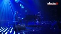 Benjamin Biolay chante  «Volver»  aux Etoiles du Parisien