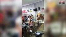 La maîtresse d'un homme se met nue pour provoquer sa rivale, une bagarre éclate (vidéo)