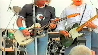 Status Quo Live - Rockin' All Over The World(Fogerty) - HMS Ark Royal,Portsmouth 30-7 2002