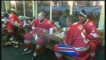 Vladimir Poutine s'essaie au hockey sur glace - 23/12/2017
