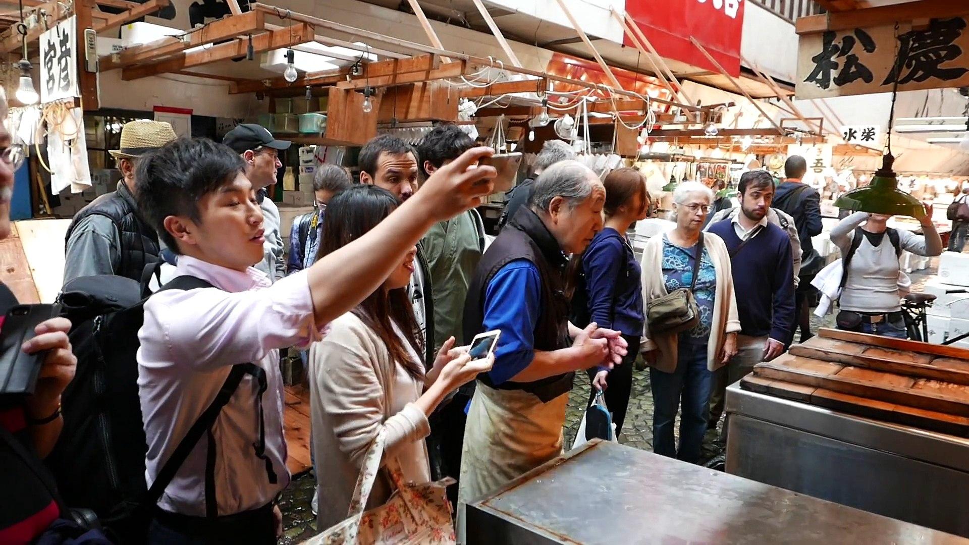 Japanese Street Food - GIANT SUNFISH Mola Mola Tokyo Japan