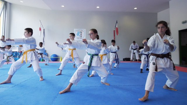 Le karaté, une pratique adaptée aux enfants