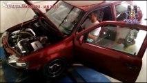 Ce débile pousse le moteur de sa voiture bien trop fort et boum!!!!