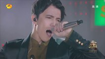 How Can He Sings Like this! He is not human! Amazing!