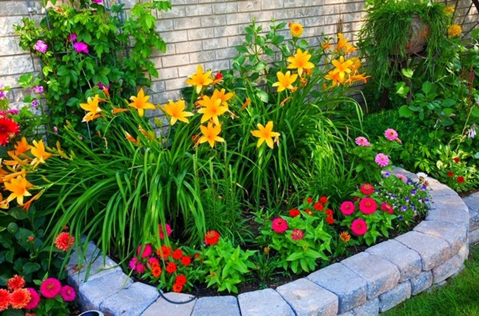 (FLOWER GARDEN TIPS) 20 Gorgeus Flower Garden Ideas For Small Space