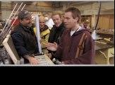 Ewan McGregor choisit son sabre laser avant le tournage de Star Wars Episode 1