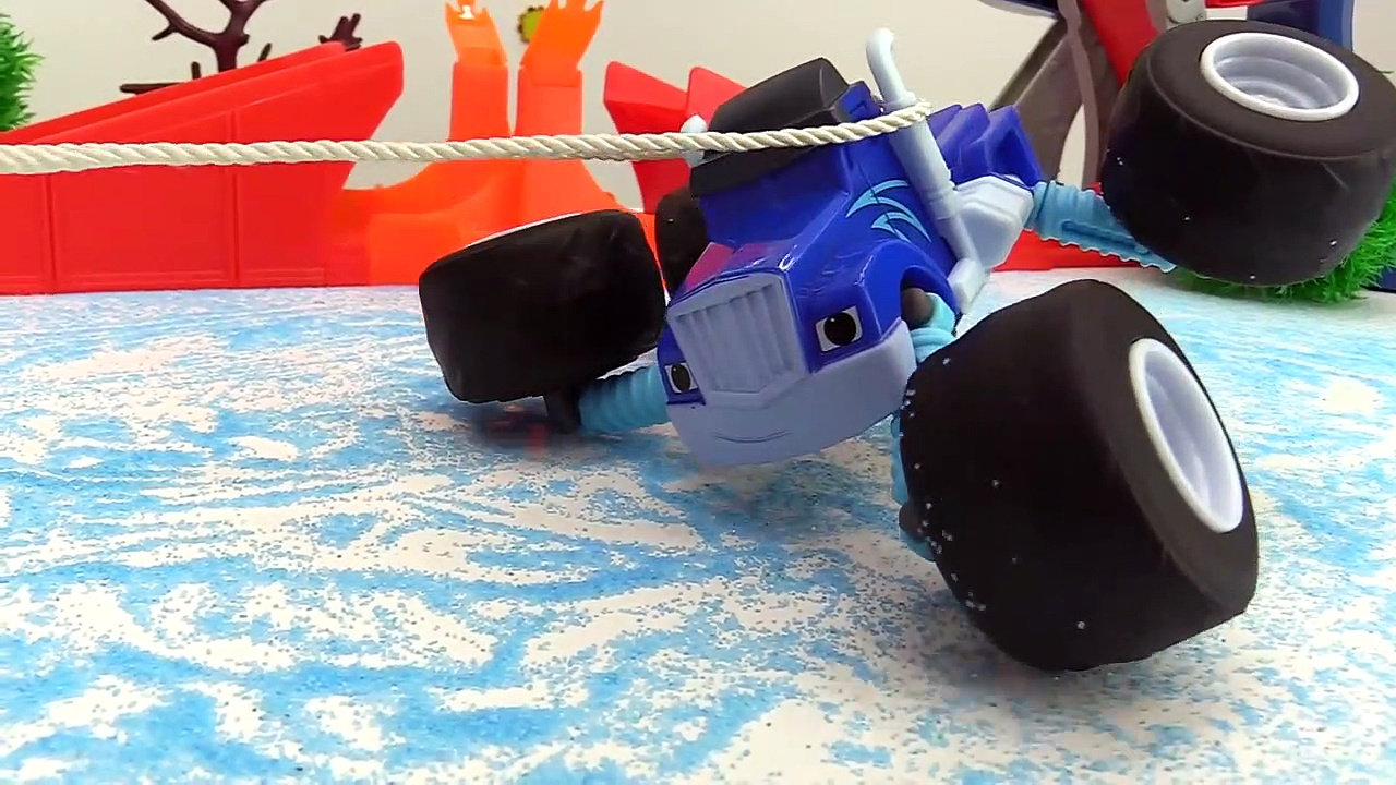ICE CRASH! – Monster Trucks Toy Trucks vi