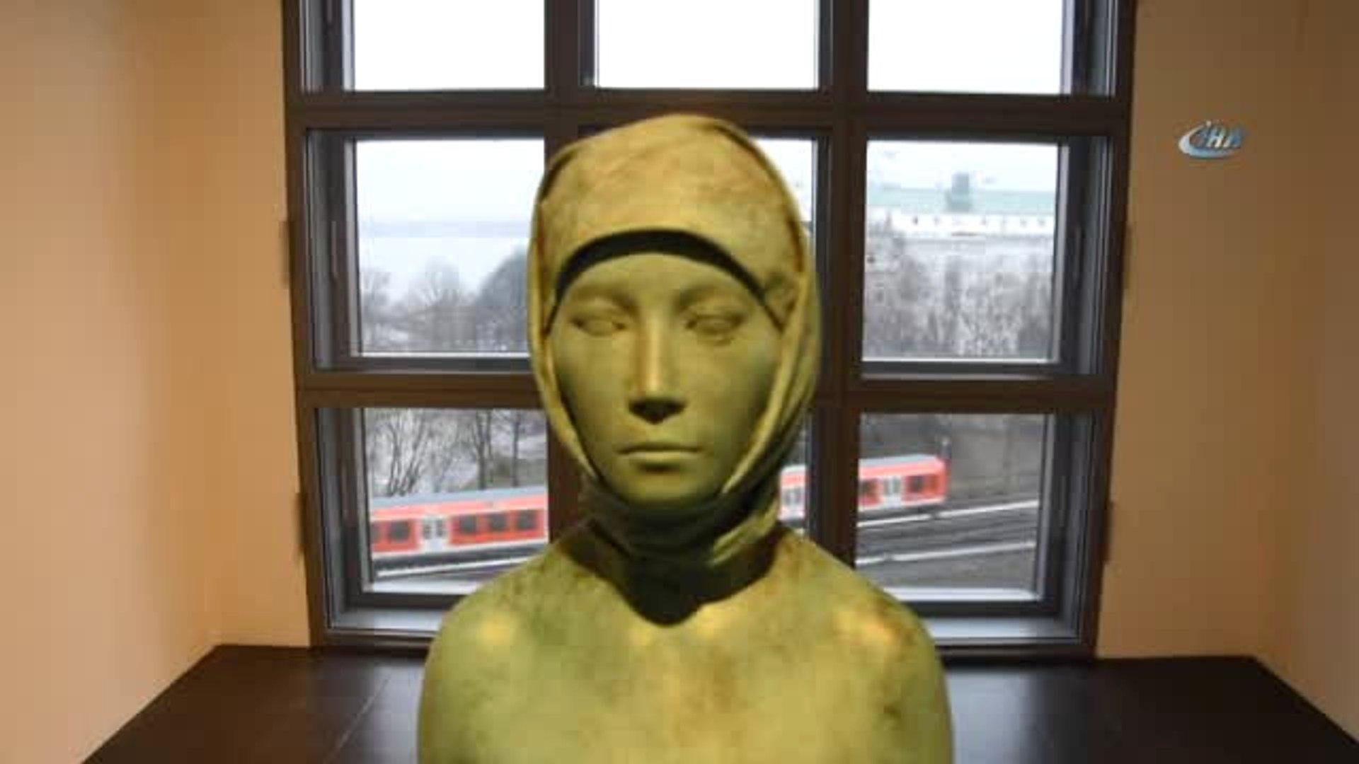Almanya'da Skandal! Başörtülü Çıplak Kadın Heykeli Yeniden Ortaya Çıktı- Provokasyon Heykeli Bu