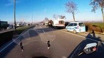 Park halindeki kamyona çarpan motosiklet sürücüsü öldü