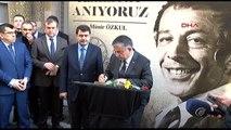 Milli Eğitim Bakanı ve Bilal Erdoğan'dan Münir Özkul'un Kızına Ziyaret