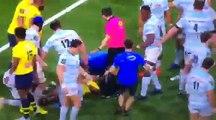 Rugby - Virimi Vakatawa (Racing) met KO Samuel Ezeala (Clermont)