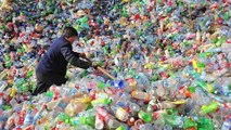 Larangan plastik Cina: Inggris tidak tahu buang kemana sampah plastik daur ulang - TomoNews