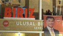 KKTC Başbakanı Özgürgün, Ubp Genel Merkezi'nde Balkon Konuşması Yaptı