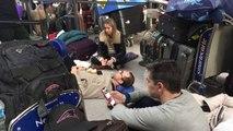 A l'aéroport JFK de New York, les passagers dans la galère