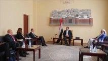 الحوثيون يهددون بقطع الملاحة في البحر الأحمر