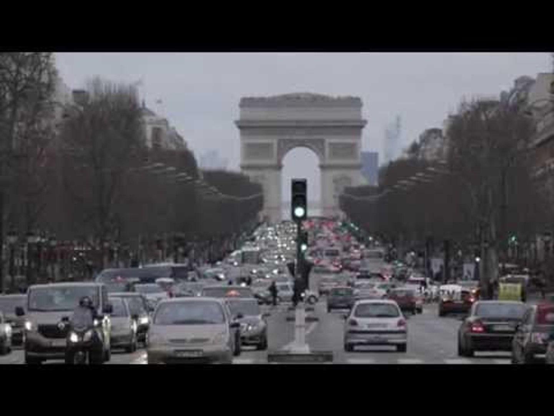 Seleção Brasileira se apresenta em Paris