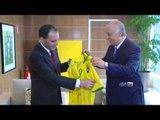 Vice-presidente da FIFA visita o Museu Seleção Brasileira