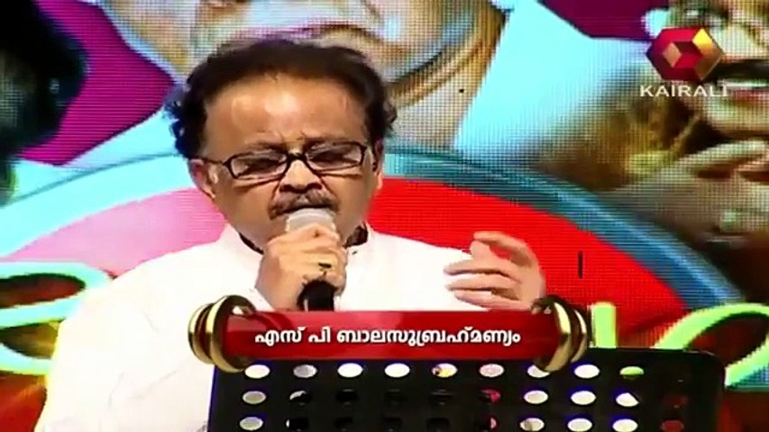S.P. Balasubramaniam sings 'Shankara' in front of KJY who is enjoying the song