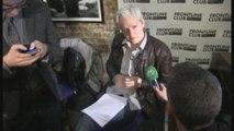 Assange es naturalizado en Ecuador mientras que el gobierno busca soluciones-.