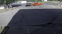 Exculpan al policía que mató al conductor que arrolló su coche.- Imágenes que pueden herir su sensibilidad