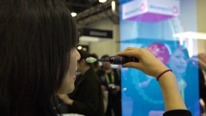 """Vu au CES 2018 : Philips Sonicare 9700, une brosse à dent connectée """"intelligente"""""""