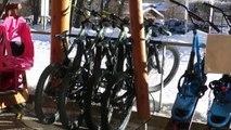 Hautes-Alpes: du VTT électrique pour des ballades sur la neige aux Monêtier-les-Bains