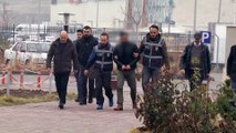 Sivas'taki cinayet - Cinayet zanlısı olduğu iddiasıyla aranan kişi teslim oldu - SİVAS