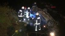 Bursa - Hızını Alamayan Araç Dereye Uçtu 1 Ölü, 1 Ağır Yaralı