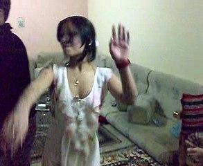 رقص بالشقه الوحش