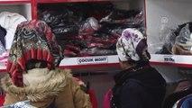 """Hayır Çarşısı""""Ndan Ücretsiz Alışveriş Yapıyorlar"""