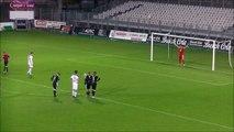 Plus bel arrêt de penalty jamais vu au Football ! Ce gardien de but est tellement chanceux..