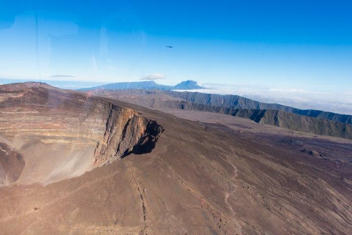 Survol du Piton de la Fournaise, Ile de la Réunion