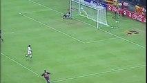 Le but merveilleux de Ronaldinho face au FC Séville en 2003