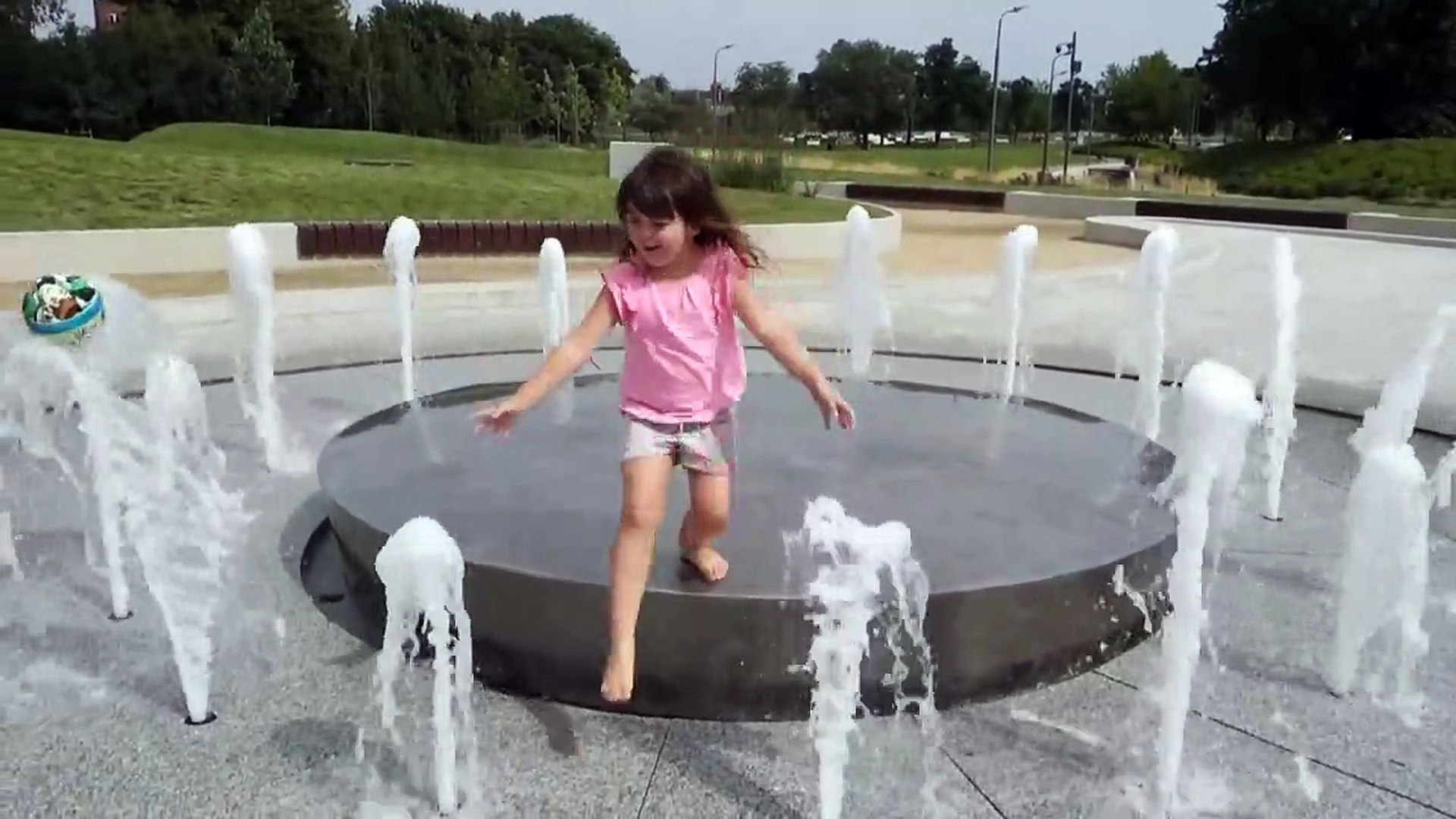 Activities for kids in the park Fun games for kids children toddlers with water