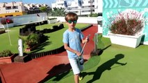 Mini Golf GAME and Toy Surprise Egg - Famil
