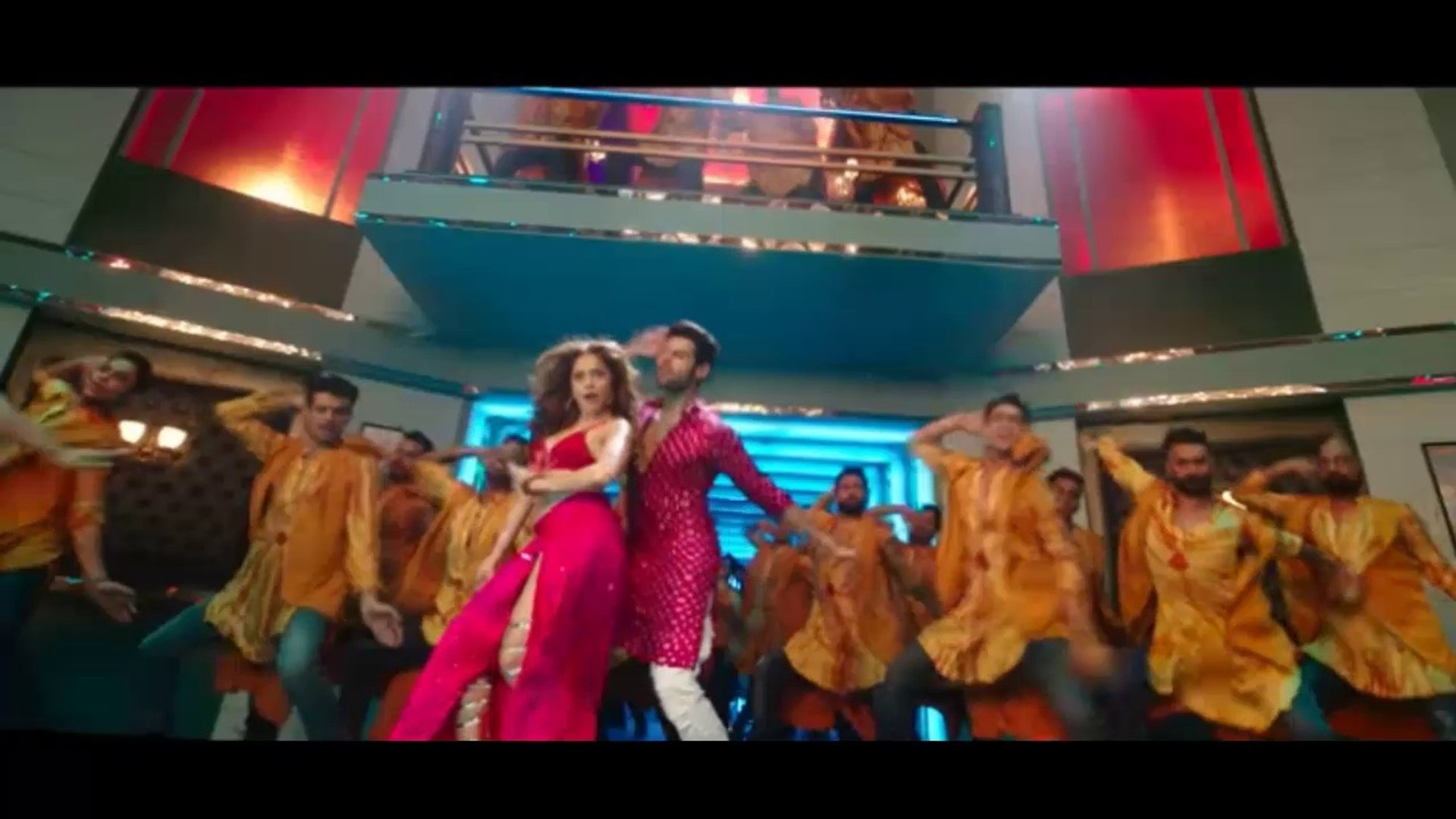 Yo Yo Honey Singh recreates iconic punjabi song Totey Totey in 'Chhote Chhote Peg