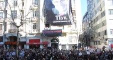Hrant Dink Ölümünün 11'inci Yıl Dönümünde Agos Gazetesi Önünde Anıldı