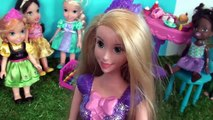 Anna and Elsa Toddlers End of School Party - Laptop Games Fun Kids Play Toys and Dolls Fun Summer
